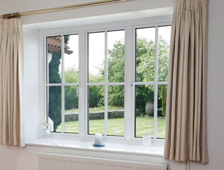 Energy efficient white aluminium casement window